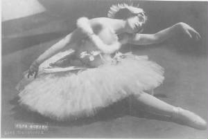 Vera Fokina as The Dying Swan